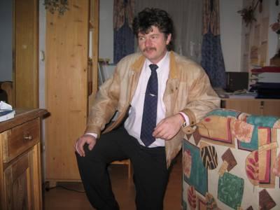 Martin, 44 Jahre aus 85777 Fahrenzhausen
